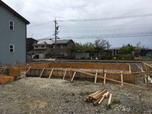 丁張り確認|石川県金沢市の注文住宅・デザイン性・新築の家・戸建て|E-HOUSE