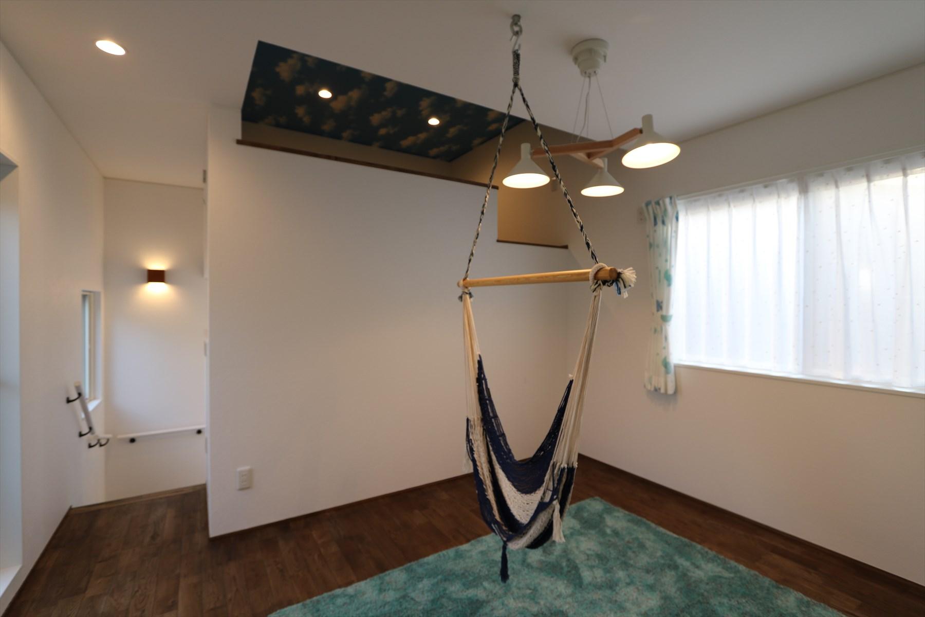 ウッドデッキを囲む五層構造の家|石川県金沢市の注文住宅・デザイン性・新築の家・戸建て|E-HOUSE