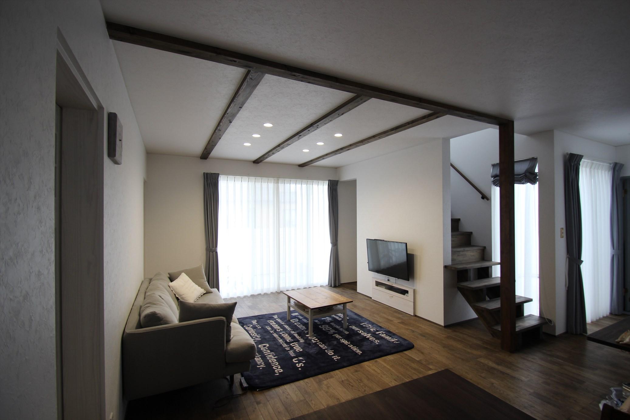 シックな味付けにこだわった大人なフレンチスタイル|石川県金沢市の注文住宅・デザイン性・新築の家・戸建て|E-HOUSE