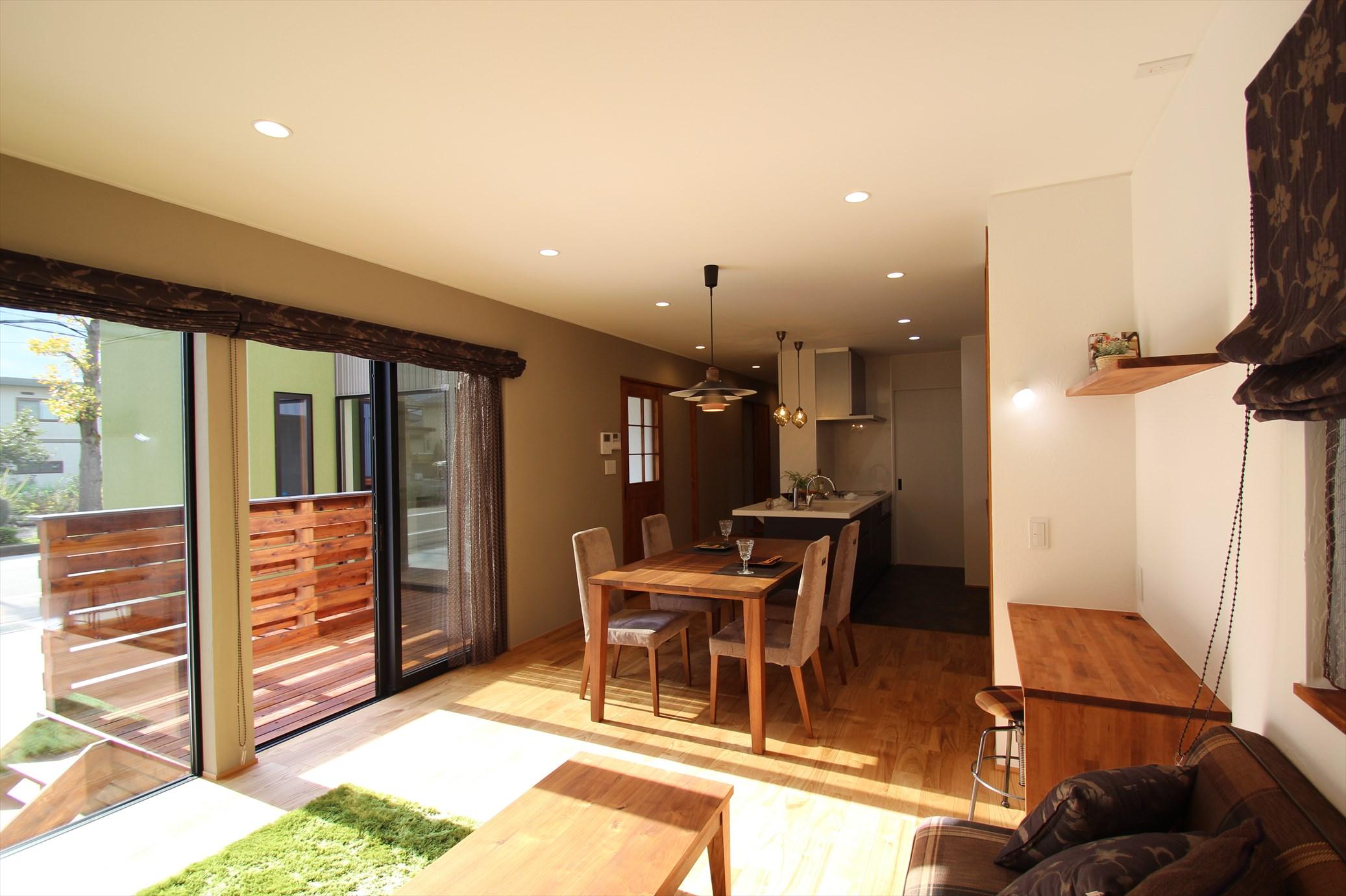 コートを囲む外とのつながりが心地よい家|石川県金沢市の注文住宅・デザイン性・新築の家・戸建て|E-HOUSE