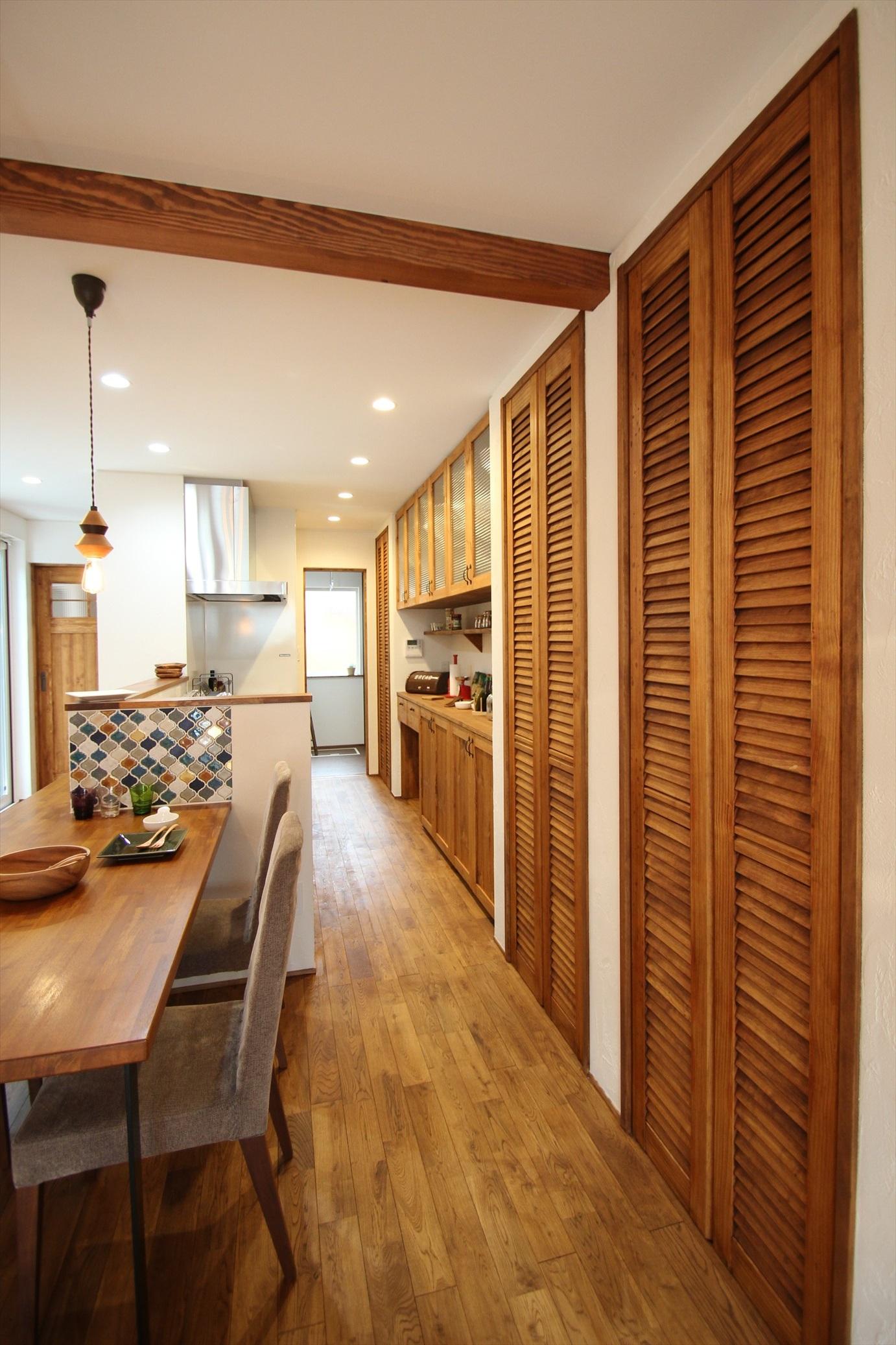 2つのコートから光が溢れる家|石川県金沢市の注文住宅・デザイン性・新築の家・戸建て|E-HOUSE