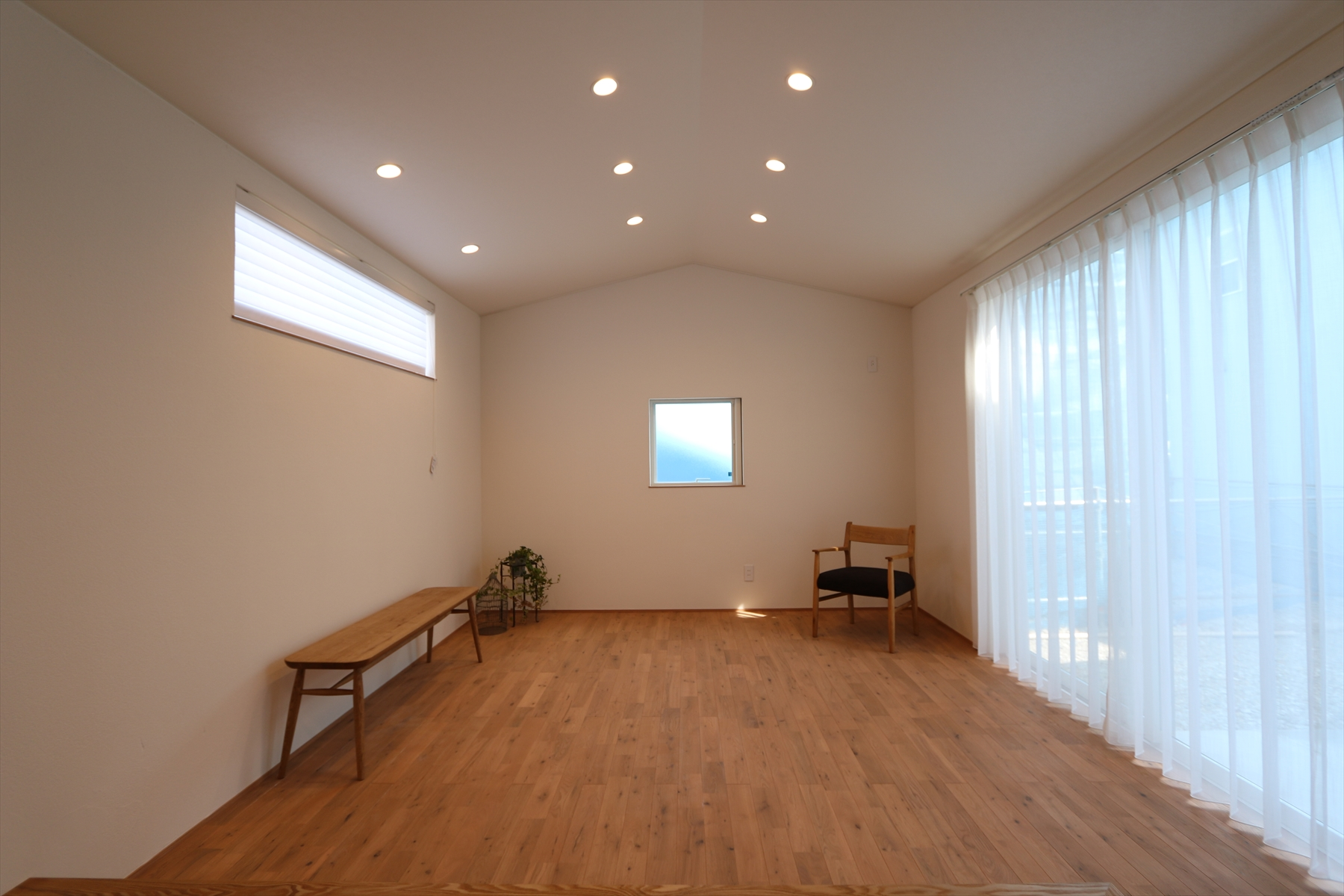 ナチュラルかわいいシンプルモダンの家|石川県金沢市の注文住宅・デザイン性・新築の家・戸建て|E-HOUSE