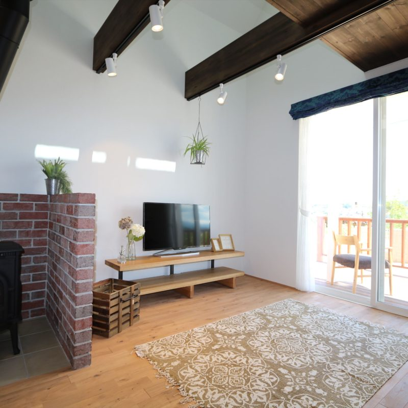 三角屋根が素敵な北欧風の家