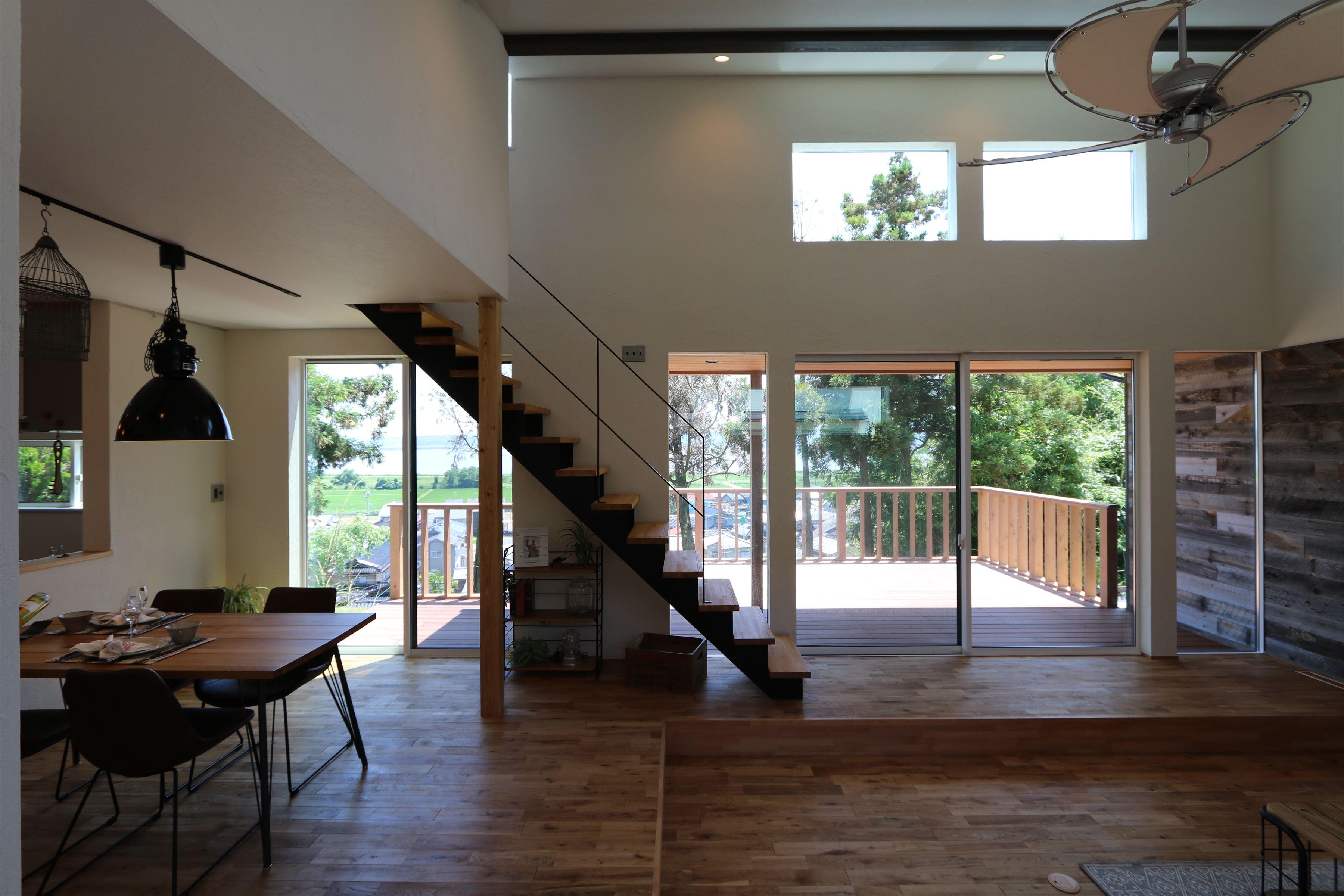 眺望と向き合う Vintage wood の家|石川県金沢市の注文住宅・デザイン性・新築の家・戸建て|E-HOUSE