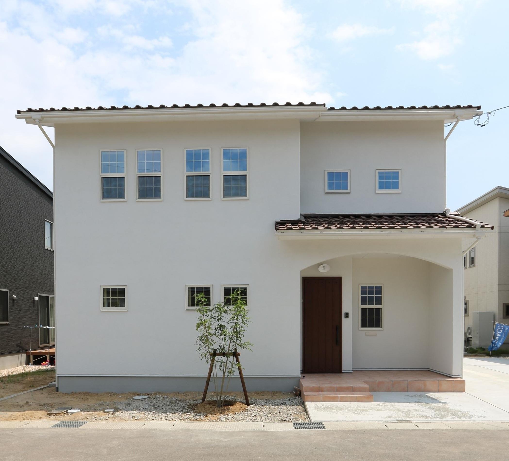 大人シックなフレンチスタイルの家|石川県金沢市の注文住宅・デザイン性・新築の家・戸建て|E-HOUSE